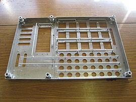 新幹線 電装パネル 各所にアルミ溶接