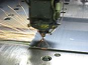 レーザー加工機